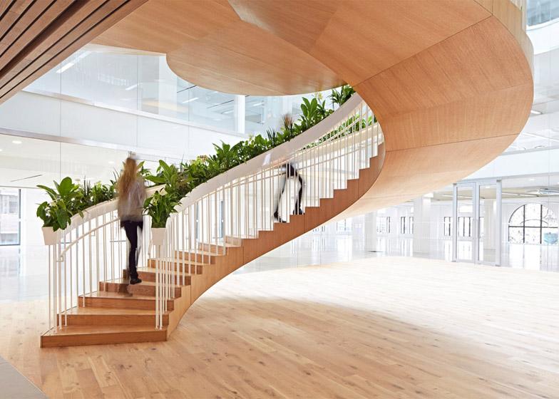 Những nguyên tắc cần nhớ khi thiết kế cầu thang văn phòng hợp phong thủy